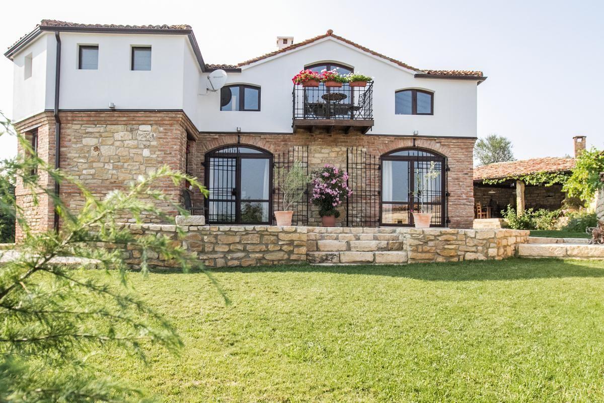 Ferienhaus mit Privatpool für 8 Personen  + 2  in Bulgarien