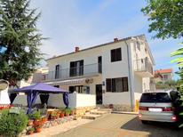 Ferienwohnung 836665 für 8 Personen in Malinska-Dubašnica
