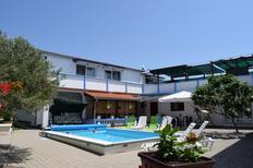 Ferienwohnung 838253 für 4 Personen in Tribunj