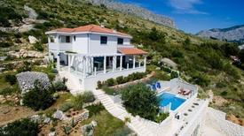 Vakantiehuis 839698 voor 10 volwassenen + 2 kinderen in Omiš