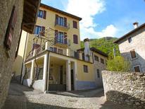 Appartement 841389 voor 5 personen in Gargnano
