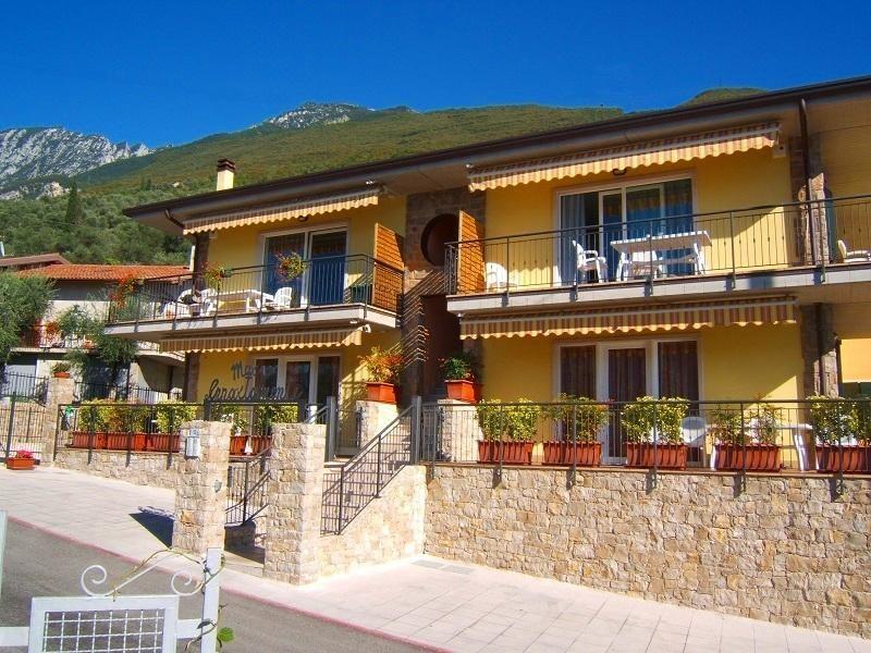 Ferienwohnung für 4 Personen ca. 62 m² i   Brenzone