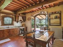 Ferienhaus 844044 für 6 Personen in Tigliano