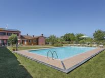 Casa de vacaciones 844048 para 8 personas en Crespina