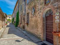 Holiday apartment 847150 for 4 persons in Sovicille