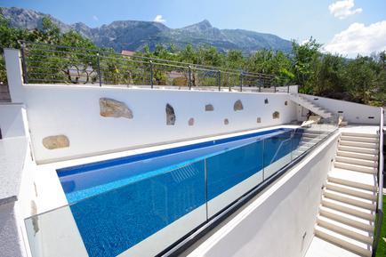 Für 11 Personen: Hübsches Apartment / Ferienwohnung in der Region Makarska