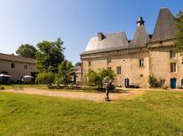 Maison de vacances 852833 pour 13 personnes , Chalais