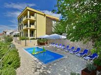 Ferienwohnung 855921 für 8 Personen in Novi Vinodolski