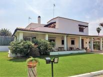 Ferienhaus 855964 für 8 Personen in Barletta