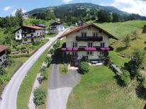 Ferienwohnung 858686 für 8 Personen in Hopfgarten im Brixental