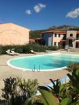 Appartement 858820 voor 6 personen in Santa Maria Coghinas