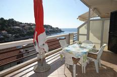 Ferienwohnung 860120 für 5 Personen in Zavalatica