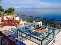 Ferienwohnung 860157 für 8 Personen in Hvar