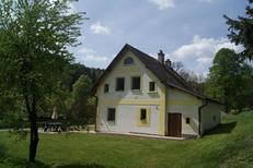 Semesterhus 860819 för 7 vuxna + 1 barn i Dedov
