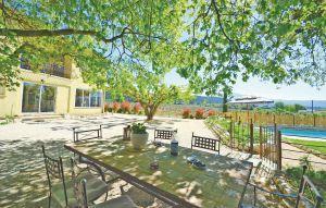 Gemütliches Ferienhaus : Region Provence für 14 Personen