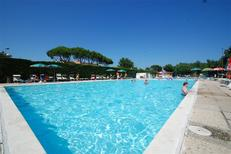 Mobile home 863329 for 4 adults + 1 child in Lido di Dante
