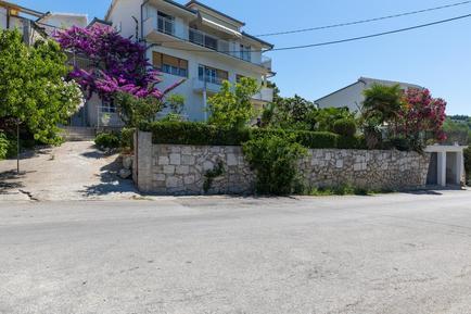 Für 11 Personen: Hübsches Apartment / Ferienwohnung in der Region Split-Dalmatien