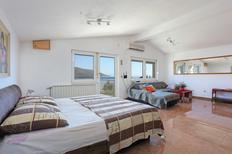 Ferienwohnung 864827 für 5 Personen in Okrug Gornji