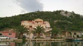 Holiday apartment 865900 for 8 persons in Ploce