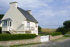 Ferienhaus 869392 für 4 Personen in Lampaul-Ploudalmézeau
