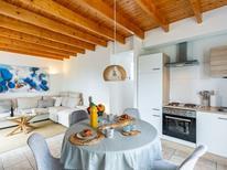 Ferienhaus 870894 für 2 Personen in Plounevez-Lochrist