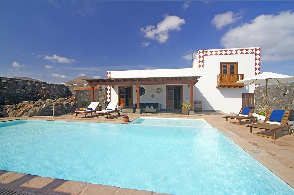 Ferienhaus mit Privatpool für 12 Personen ca.   Lanzarote