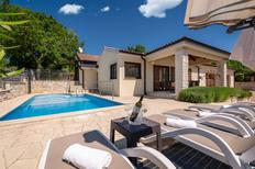 Vakantiehuis 872603 voor 6 volwassenen + 1 kind in Višnjan