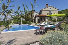 Vakantiehuis 872745 voor 4 volwassenen + 2 kinderen in Viskovici