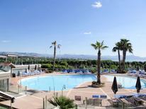 Ferienwohnung 873577 für 3 Personen in Antibes