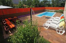 Vakantiehuis 874385 voor 6 volwassenen + 1 kind in Loborika