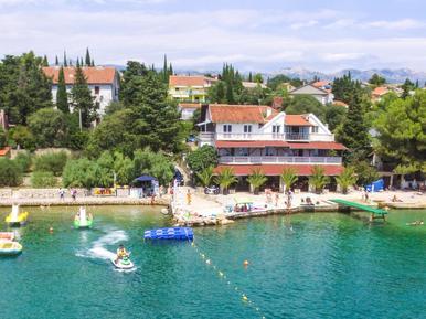 Für 6 Personen: Hübsches Apartment / Ferienwohnung in der Region Maslenica