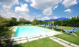 Ferienwohnung 878117 für 6 Personen in San Gimignano
