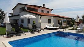 Ferienwohnung 878689 für 4 Personen in Kaštel