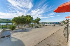 Appartement 879562 voor 4 personen in Trogir