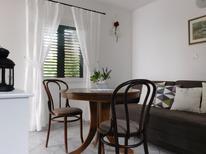 Appartement 879576 voor 3 personen in Milna auf Vis