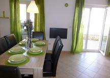 Appartement 879809 voor 6 personen in Šilo