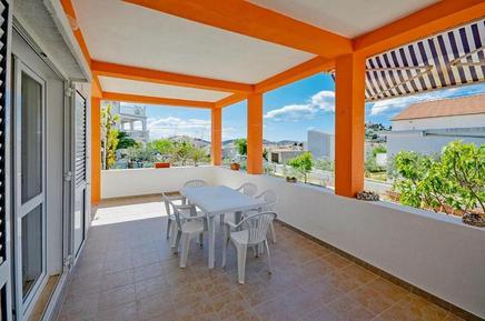 Für 6 Personen: Hübsches Apartment / Ferienwohnung in der Region Tribunj