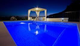 Ferienhaus 885144 für 4 Erwachsene + 1 Kind in Makarska