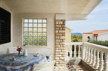 Für 5 Personen: Hübsches Apartment / Ferienwohnung in der Region Tribunj