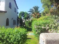 Casa de vacaciones 890148 para 8 adultos + 2 niños en Capitana