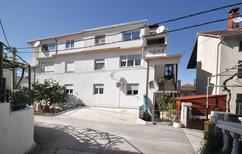 Apartamento 892369 para 4 personas en Mastrinka