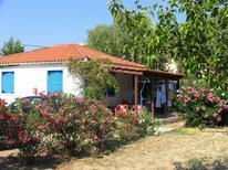 Semesterhus 893297 för 4 personer i Agios Sostis