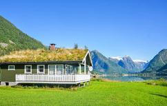 Vakantiehuis 895215 voor 4 volwassenen + 2 kinderen in Fjærland