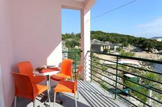Appartement 896783 voor 5 personen in Žuronja