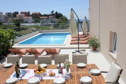 Gemütliches Ferienhaus : Region Dalmatien für 18 Personen