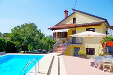 Holiday home 902252 for 6 adults + 2 children in Paradiž by Vodnjan