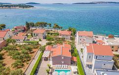 Casa de vacaciones 911534 para 12 personas en Brodarica