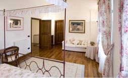 Ferienwohnung 912136 für 8 Personen in Siena