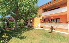 Appartement 912607 voor 5 personen in Fažana