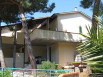 Appartement 913086 voor 3 volwassenen + 2 kinderen in Capoliveri